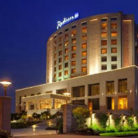 Nearbuy: Get 45% off Stay for 2 in a Superior Room with Meals and More at Radisson Blu, New Delhi