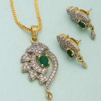 Upto 80% OFF on Women's Diwali Gifts Collection