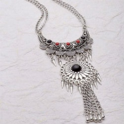 Upto 50% OFF on Necklace Sets !